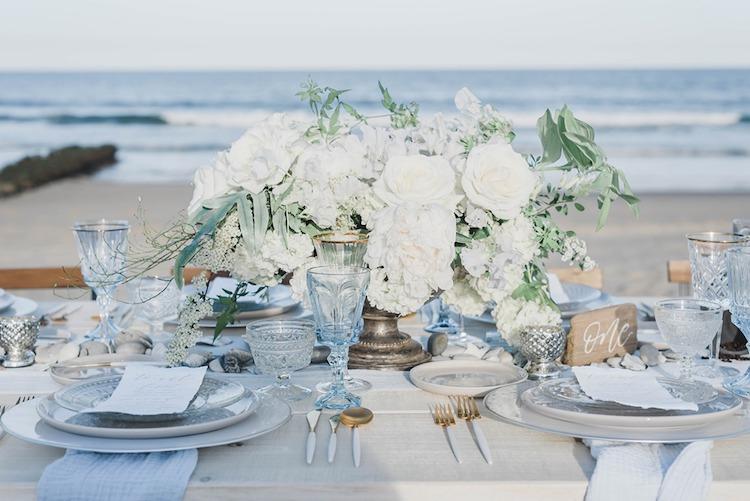 mesa boda en azul cielo